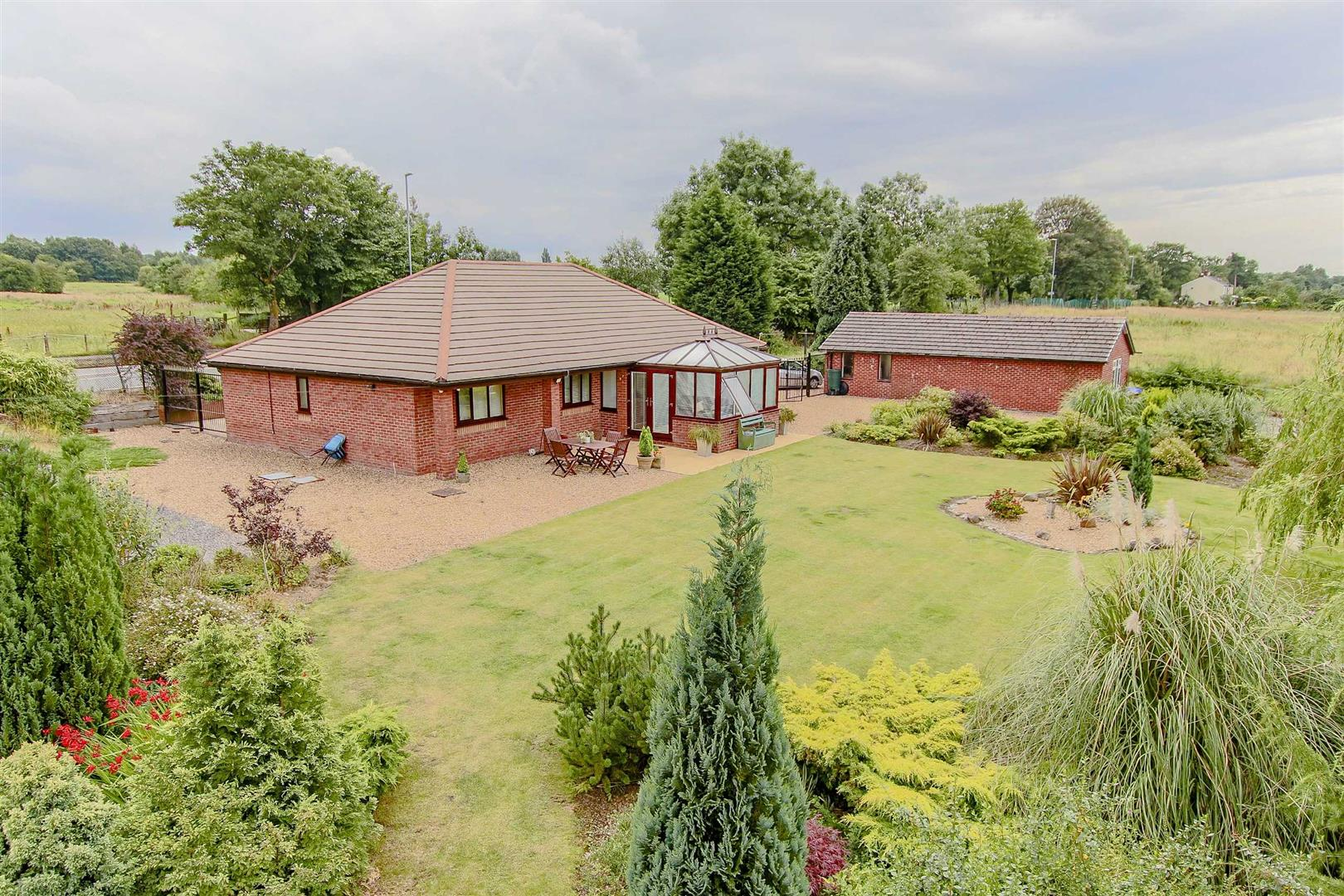 3 Bedroom Detached Bungalow For Sale - Main Image